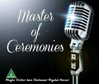 Master of Ceremonies Rijalul Ansor (Tombo Ati)