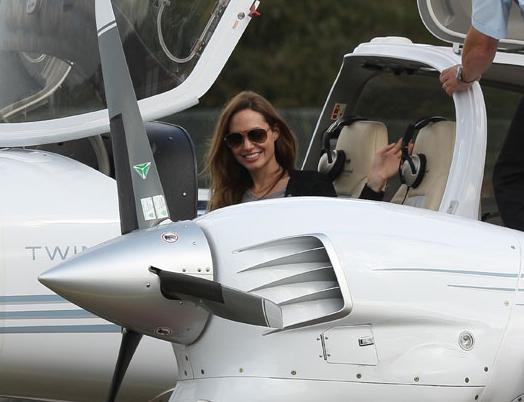 Angelina Jolie  Cirrus SR22