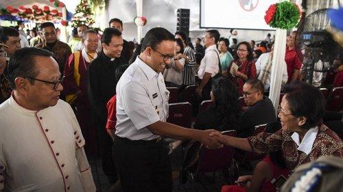 Kunjungi Sejumlah Gereja di Malam Natal, Anies Berpesan Jaga Persatuan
