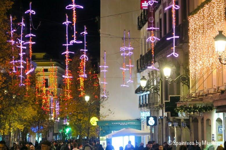 マドリードのアレなる通りのクリスマスイルミネーション