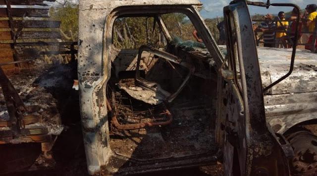 Homens são assassinados a tiros e caminhonete é incendiada por criminosos no RN