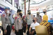 Kapolda Sulsel Tinjau Program 10.000 Vaksinasi di Mall Ratu Indah Makassar