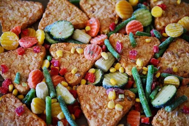 Variedad de alimentos congelados