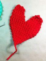 http://www.tuteate.com/2014/02/03/teje-un-corazon-para-san-valentin/