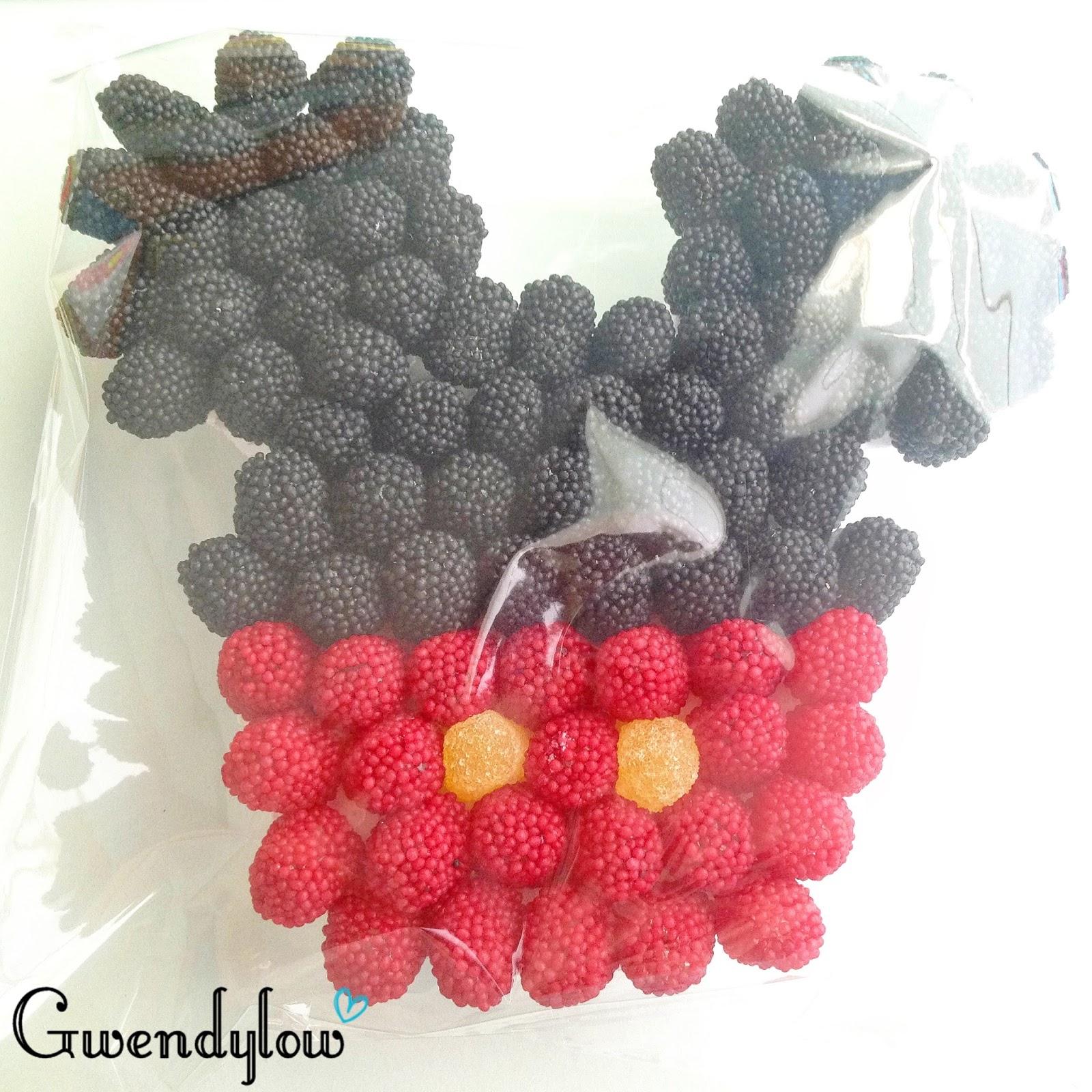 Tarta de Mickey Mouse hecha con chuches y bolsitas de chuches - Ñam ...