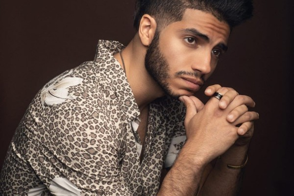 10 Gaya Keren Mena Massoud 'Aladdin' yang Bikin Tampil Out of the Box
