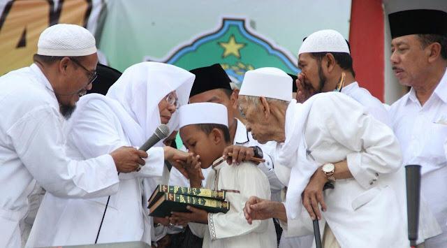 Umur 8 Tahun Sudah Hafidz Qur'an, Hafal Ribuan Hadits dan Kitab, Bocah Ini Bikin Geleng-geleng Kepala