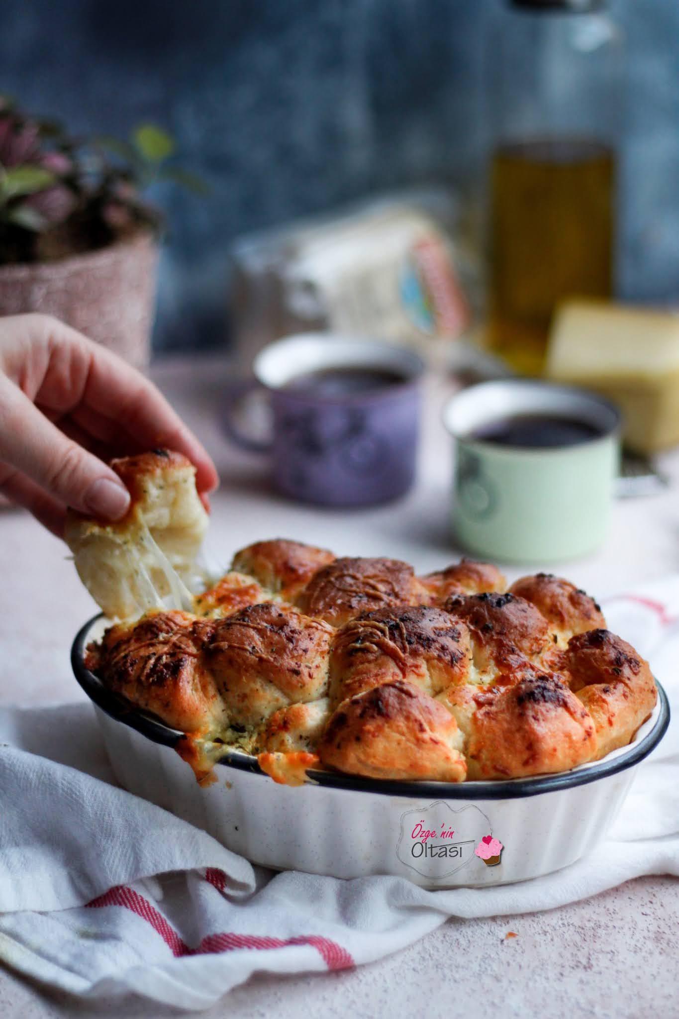Sarımsaklı Çek Kopar Ekmek