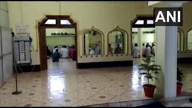 MP में लॉकडाउन के बीच मस्जिद में पहुंचे 40 लोगों के खिलाफ मामला दर्ज