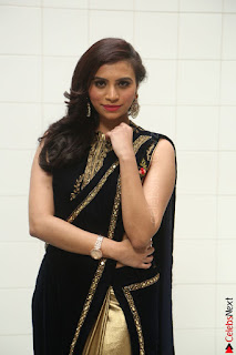 Priyanka Ramana in Beautiful Designer Black Saree At We Craft Elegance Expo Launch 036.JPG
