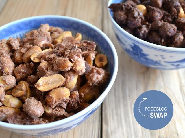 Gesuikerde pinda's met kaneel en hazelnoten met cacao en chilipeper