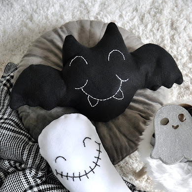 Cute DIY Halloween Throw Pillows