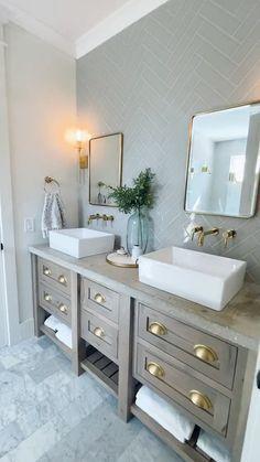 best type of lighting for bathroom mirror