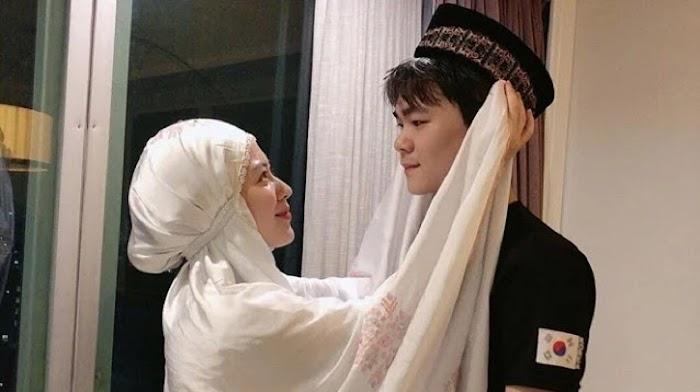 Adik Baru Masuk Islam, Ayana Moon Girang Akhirnya Punya Teman Puasa
