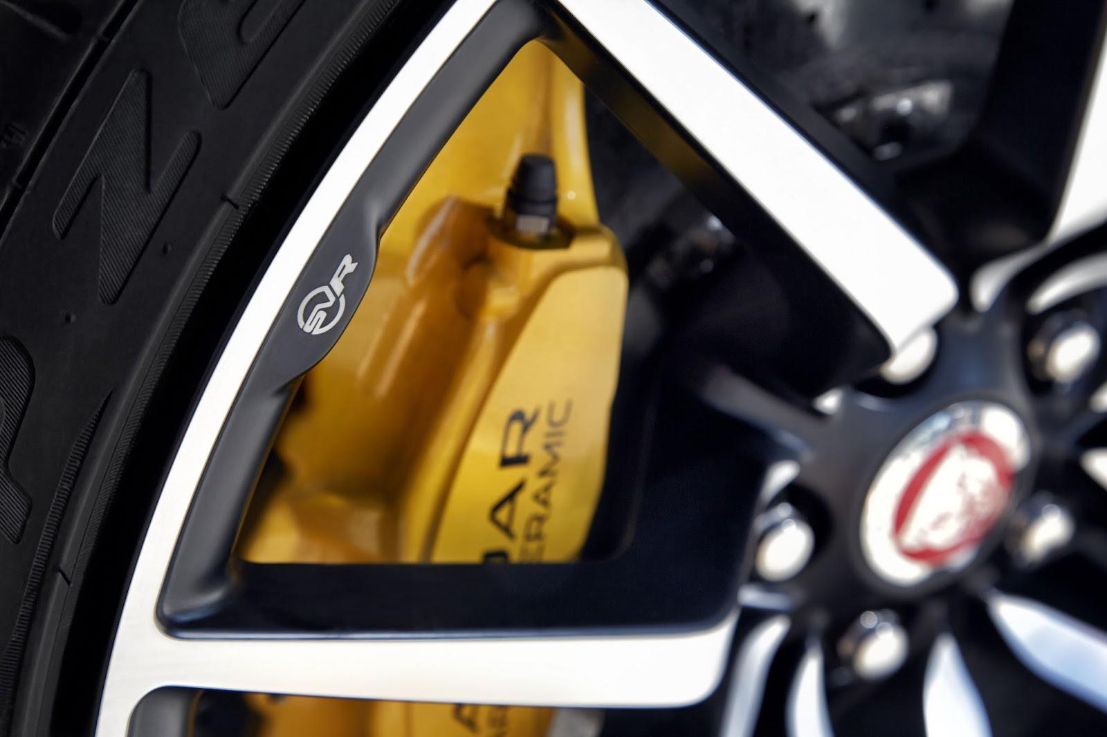 Xe được trang bị phanh gốm cực bền, cực an toàn