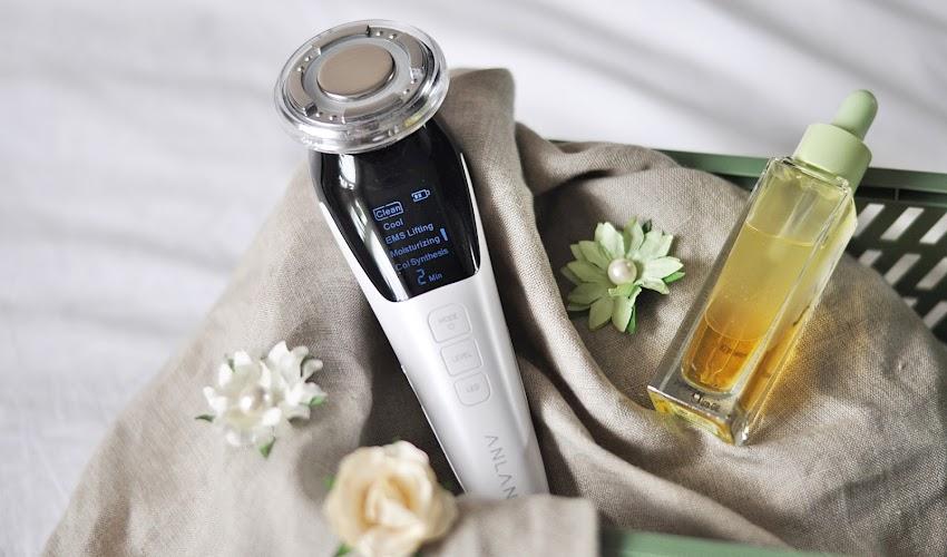 Ultradżwiękowy masażer do twarzy marki Anlan - jak używać? Sprawdź moją opinie po 30 dniach używania.