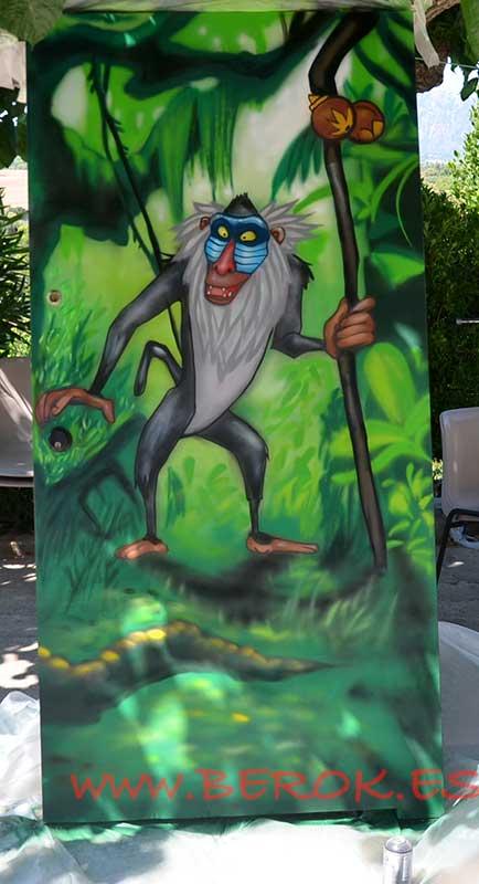 Graffiti puerta Rafiki , Rey León