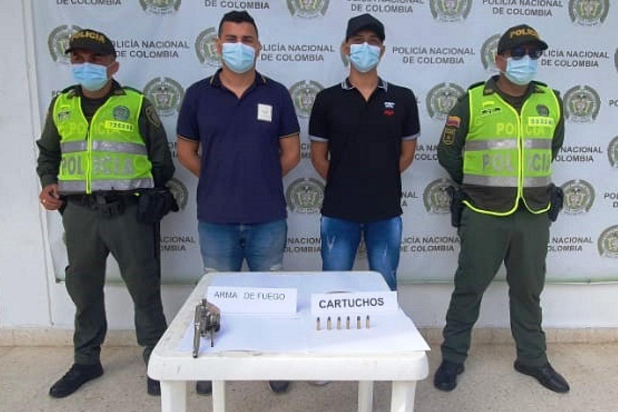 https://www.notasrosas.com/Policía Cesar captura dos hombres en Aguachica, y les incauta un arma de fuego
