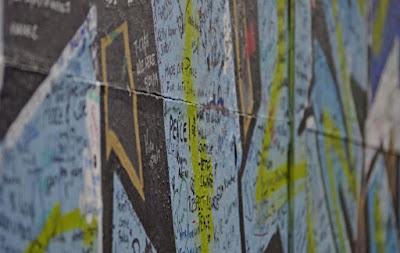 peace walls, Belfast