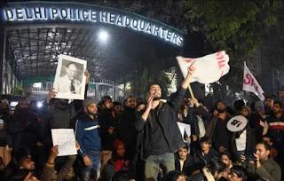 delhi-hc-ask-question-to-police-whatsapp-google-on-jnu
