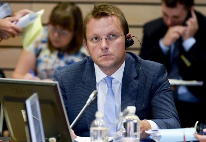 Várhelyi Olivér gratulált az SNS győzelméhez, várja az együttműködést az új kormánnyal