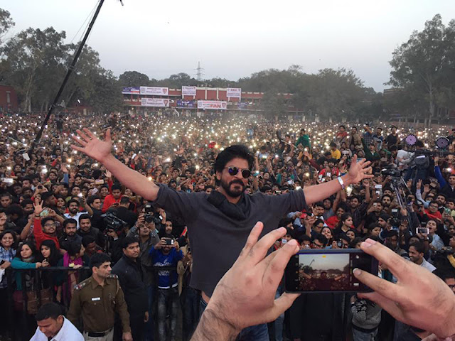 Shah Rukh Khan at Hansraj College Delhi University