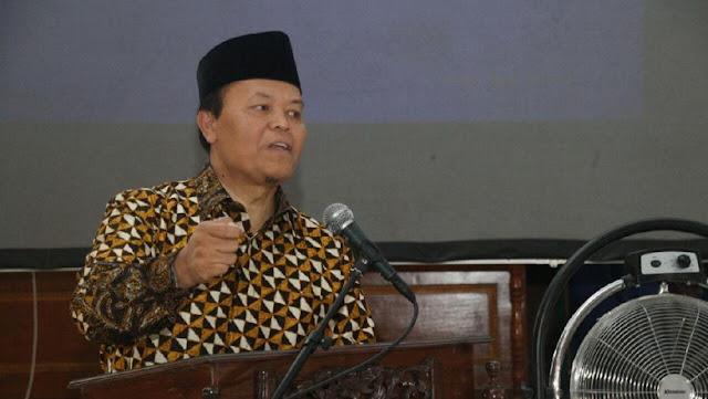 Spanduk Khilafah Kampanye Hitam Terhadap PKS, Harus Dibawa ke Pengadilan