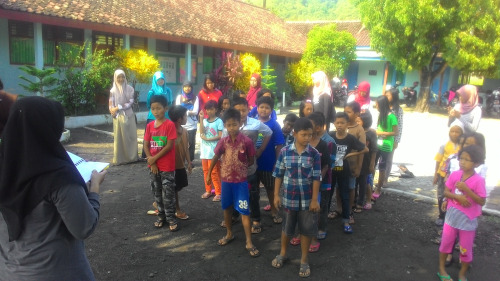 sekolah berjalan ke 28, book for mountain, we love book
