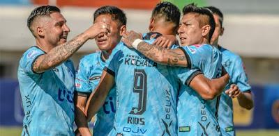 Darwin Ríos festeja su gol. (Foto: Club Aurora)