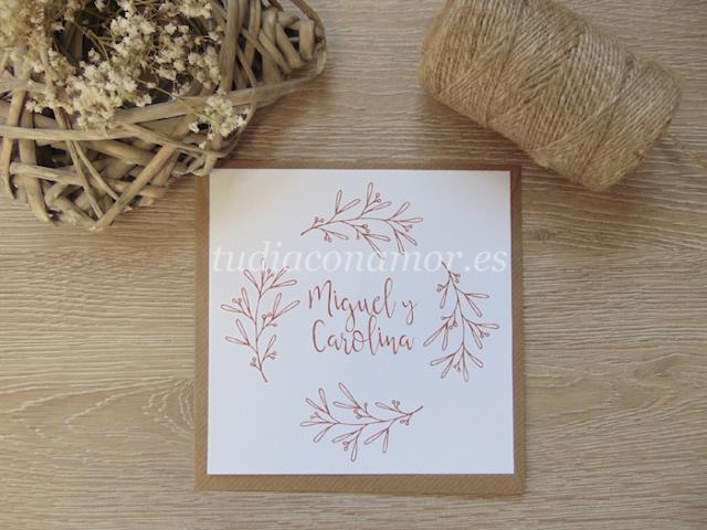 Invitaciones de boda de estilo rústico con sobre de papel marrón reciclado kraft con textura