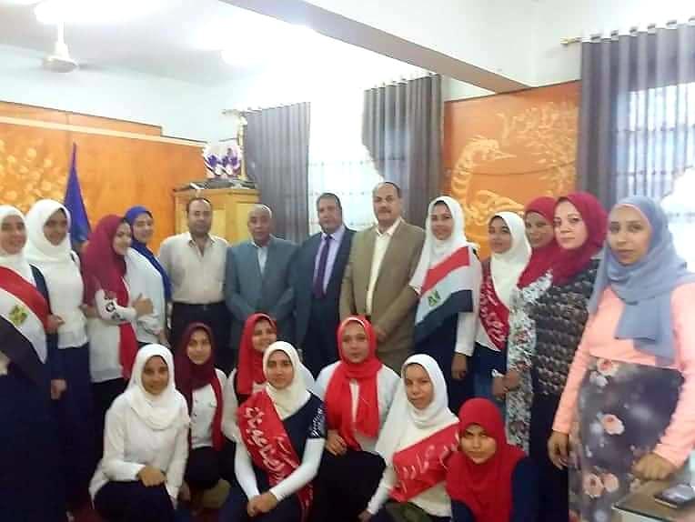بالصور.. ضحا مدير إدارة كوم حماده التعليمية يشهد إحتفالات الفنيه بنات بأعياد السادس من أكتوبر