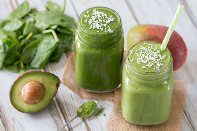Matcha Green Tea Smoothie #healthy #drinks