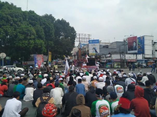 Ratusan Warga Tasik Demo Minta Denny Ditangkap: Jangan Sampai Kita yang Bertindak Sendiri!