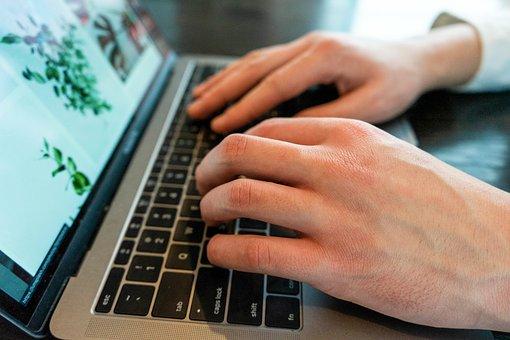 العمل على الإنترنت أفضل الطرق لتبدأ في 2021