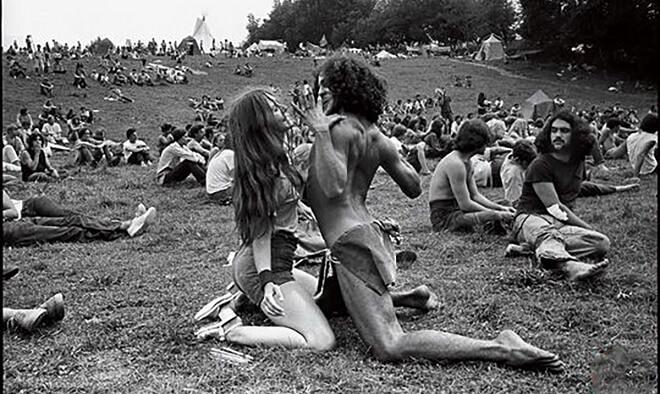 Hippie Naked Pics