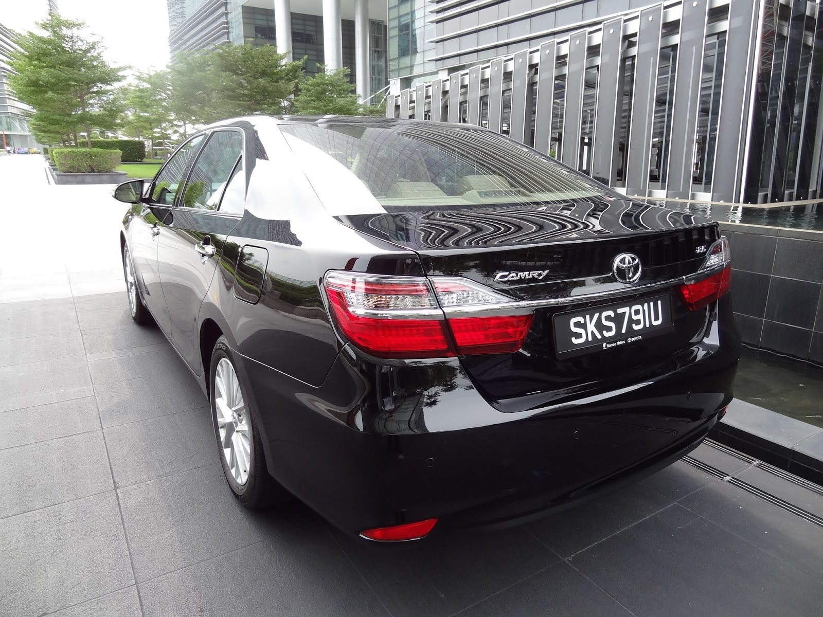 All New Camry Singapore 2018 Thailand Shaun Owyeong 2015 Toyota 2 5 A Class Leading Executive Sedan The Continues To Be Benchmark That Constantly Evolves Set Standards And Is Available In 3 Variants 0l 5l Hybrid