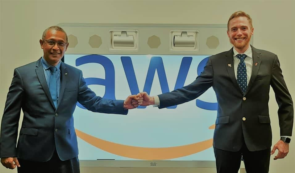 Treasurer Ling-Stuckey briefed by NiuPay Ltd's CEO,James Inglis, who are partnered with AWS in PNG.