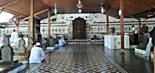 Peninggalan Kerajaan Cirebon Makam Sunan Gunung Jati
