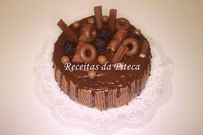 """Bolo de aniversário """"mousse de chocolate"""""""