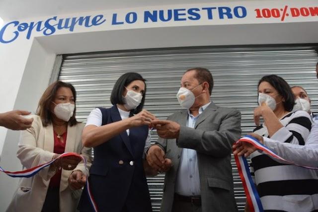Inauguran colmados de comercialización agropecuaria en SDO y Los Alcarrizos