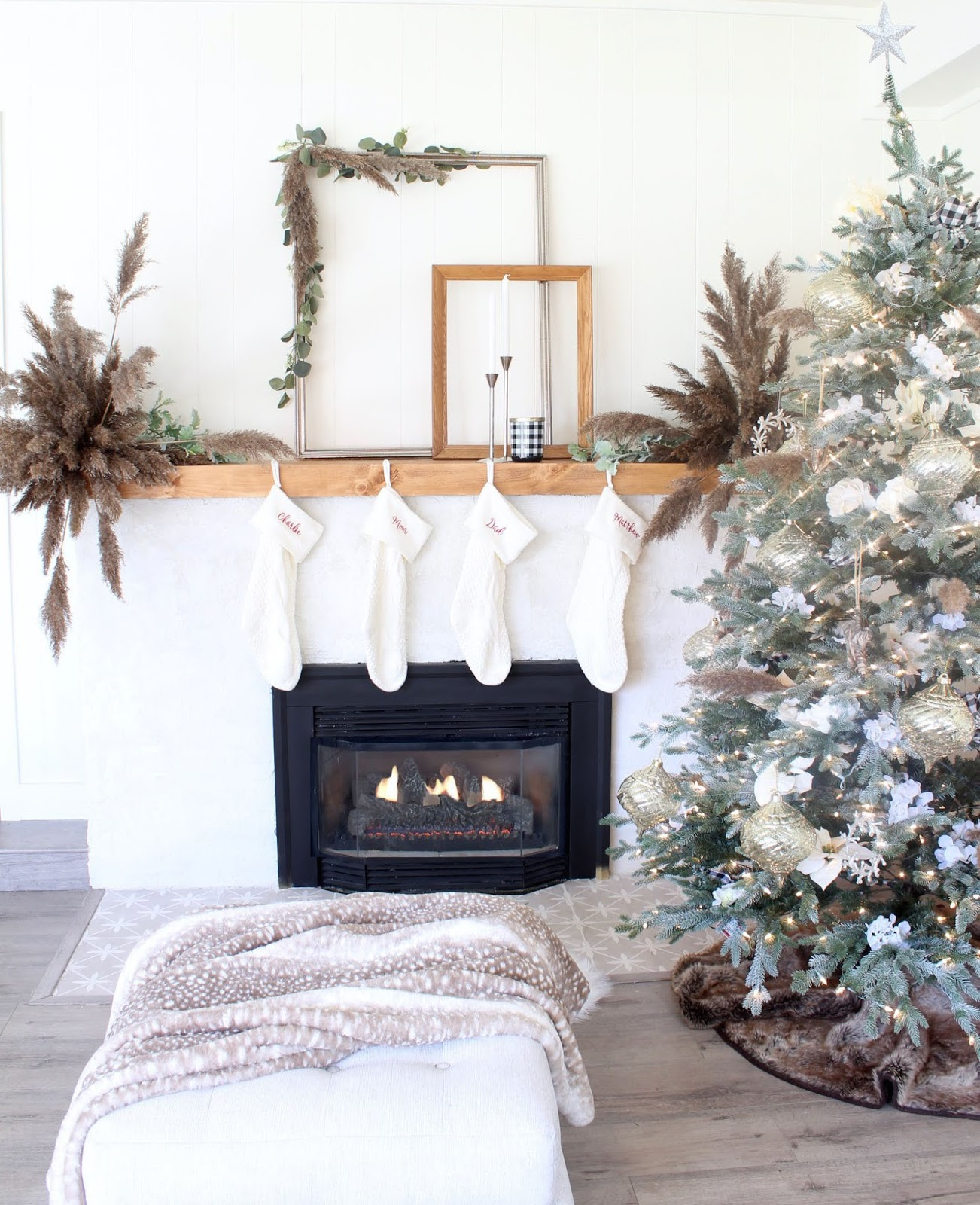 nordic-christmas-decorating-ideas-pampas-grass-wedding-holiday-decor-2