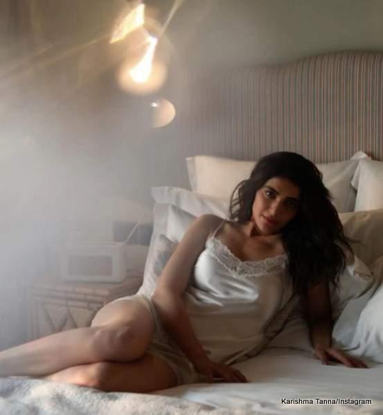 karishma-tannas-glamorous-bedroom-photoshoot