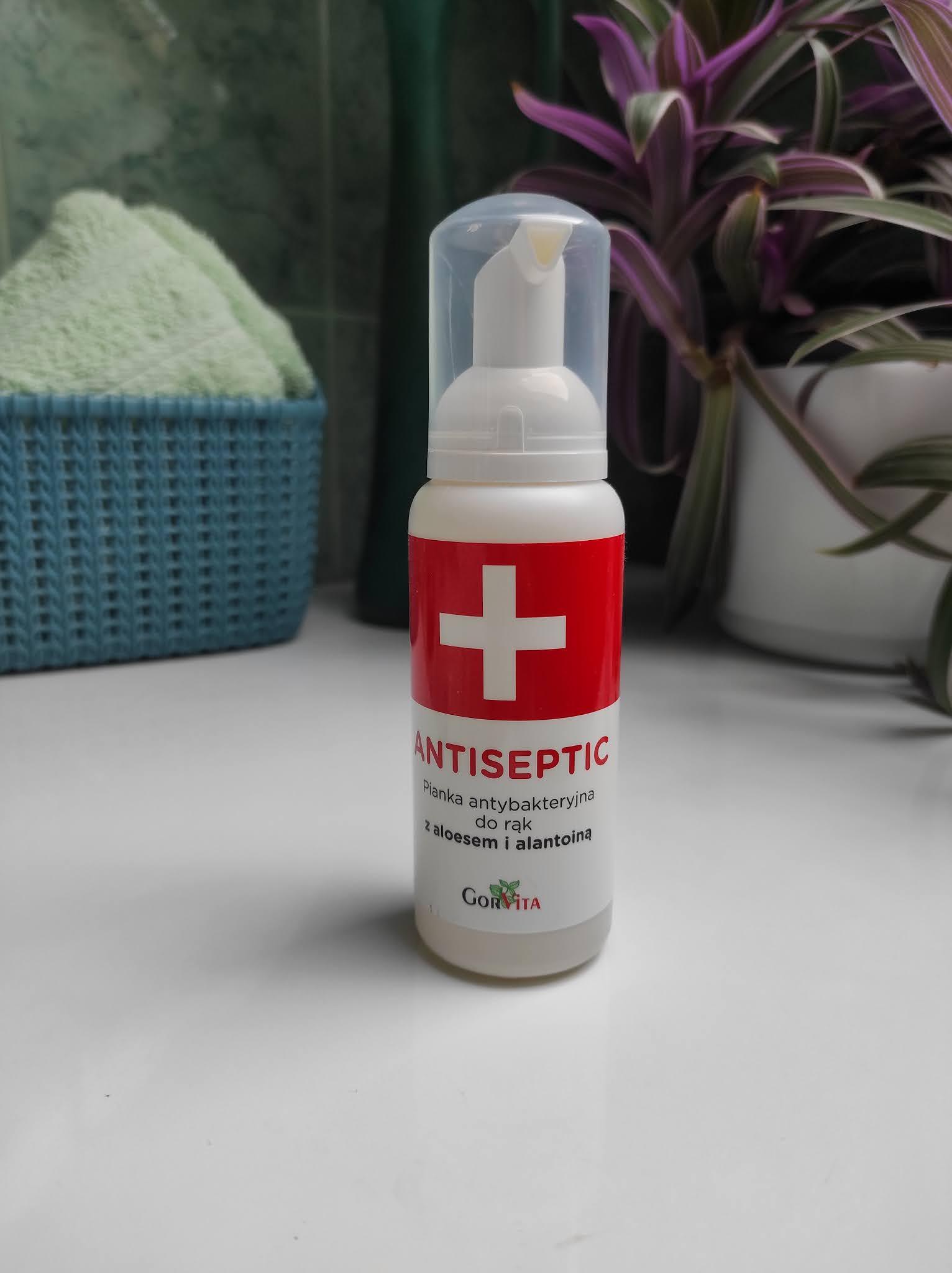 Antiseptic Pianka antybakteryjna do rąk z aloesem i alantoiną.