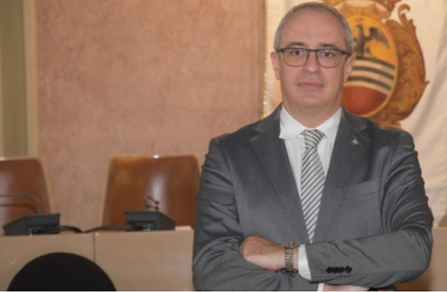 مقتل مهاجر مغربي على يد سياسي إيطالي وسالفيني يدخل على خط الجريمة : الدفاع عن النفس