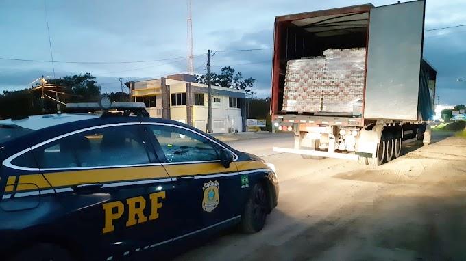 Caminhão com 96 mil latas de cerveja sem nota fiscal é retido em Gravatá