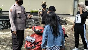 Operasi Yustisi 3 Pilar, PLH Kapolsek Pasirjambu Polresta Bandung Imbau Warga Disiplin Protkes