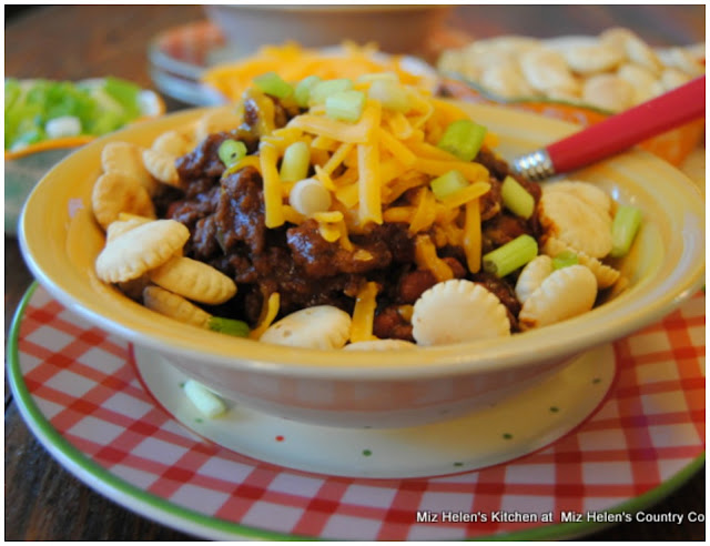 Game Day Chili Buffet at Miz Helen's Country Cottage