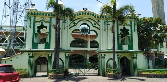 Soal Penolakan Jum'atan Prabowo, Ketua Masjid : Kami Keberatan Adanya Pamflet Ajakan Shalat Jum'at Bersama Prabowo di Masjid Kauman