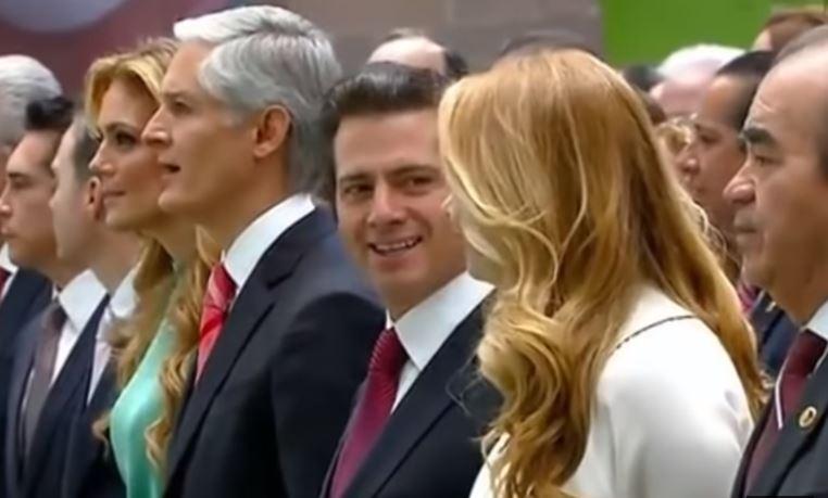 VIDEO: Peña Nieto se burla de su esposa por no recordar el himno del Edomex
