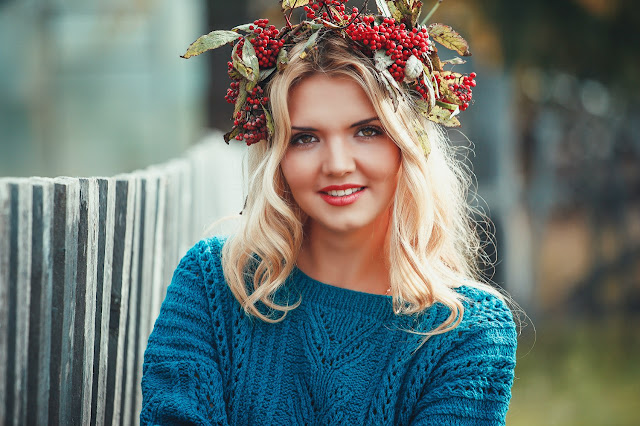 Head flower crown image
